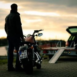 Motorradtransporter im Vergleich